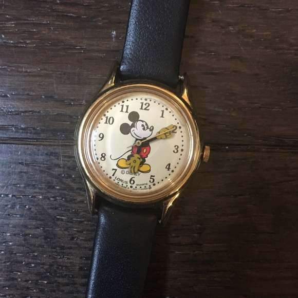 Mickey Mouse Watch Value >> Vintage Mickey Mouse Watch